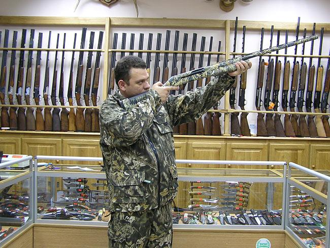 Выбор гладкоствольного ружья в магазине