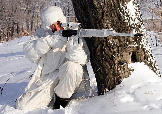 Зимняя маскировка охотника