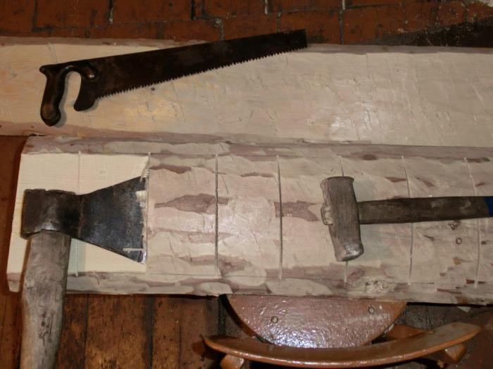 Срубание коры с древесины