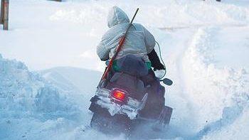 Охота на волка на снегоходе