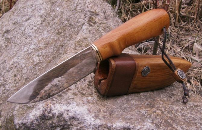 Нож с самодельной ручкой
