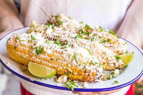 Кукуруза с чесноком и сыром